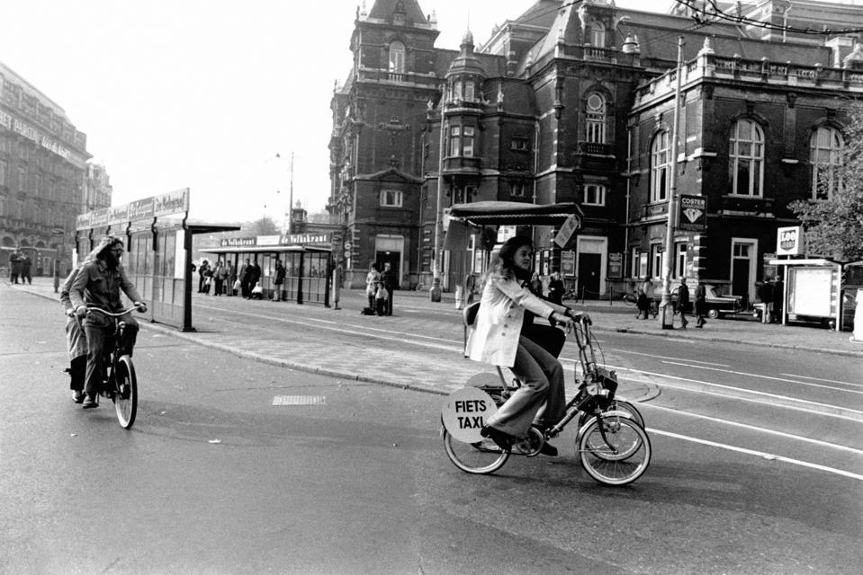 Rue d'Amsterdam pendant le premier choc pétrolier