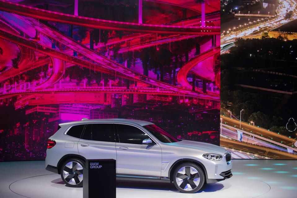 The iX3 is armed with the fifth-generation of BMW's eDrive electric powertrain technology. It has a maximum output of around 270 horsepower, and its 70-kWh battery pack has an estimated range of 250 miles
