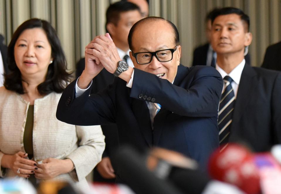 Li Ka-Shing oficiálně oznamuje svůj odchod do důchodu