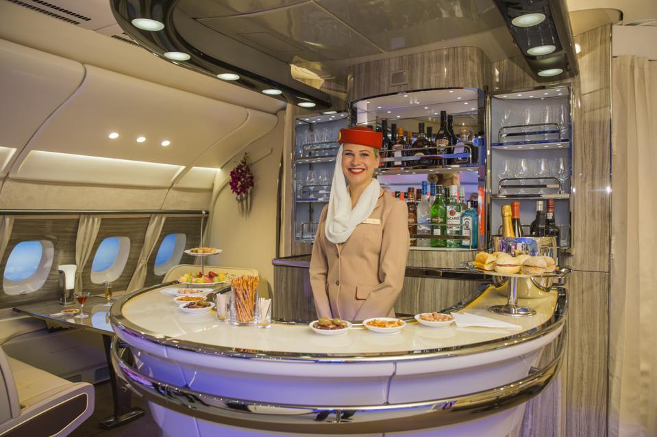 Fluggesellschaft Emirates: neue Bordbar für den Airbus A380