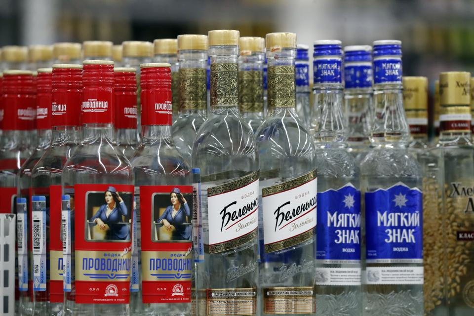 Alkoholprodukter i Auchan-hypermarked i Moskva