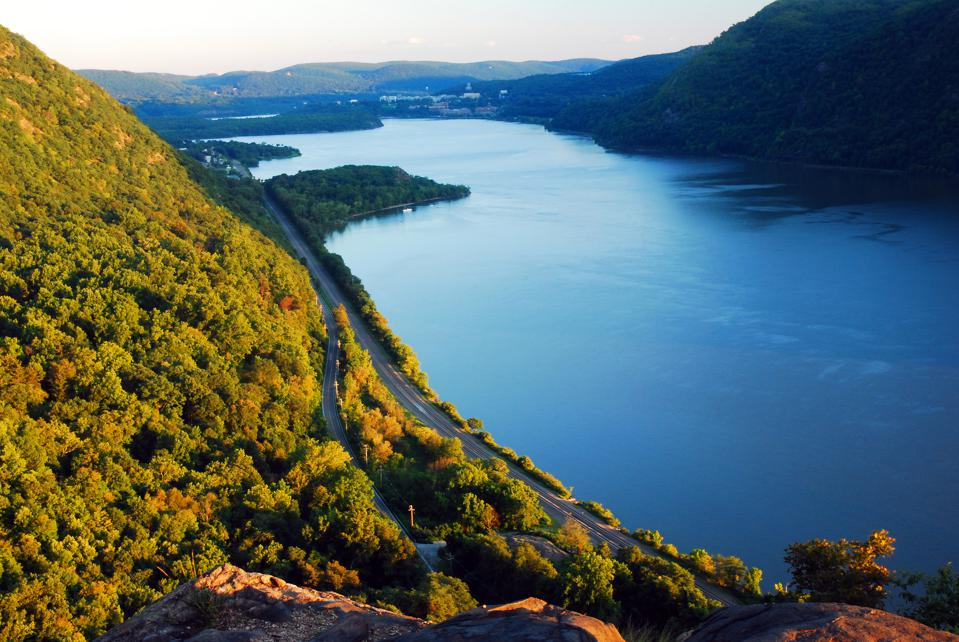 Stretching from New York City in the south all the way to the Adirondack Mountains in the north, the majestic Hudson River might have witnessed more history-making events than any other American river.