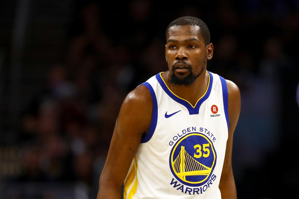 1eab227003fc Kevin Durant Surprises 80 High School Kids With The Trip Of A Lifetime