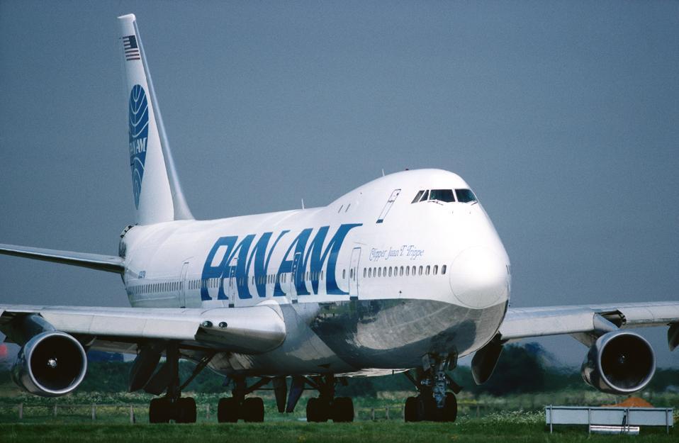 Pan Am - Pan American World Airways Boeing 747-100 taxiing named Clipper Juan T