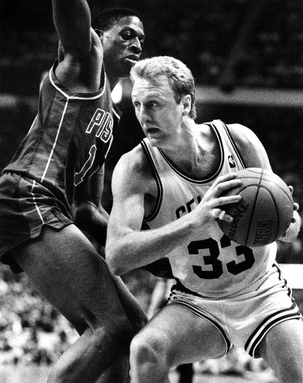 Detroit Pistons Vs Boston Celtics At Boston Garden