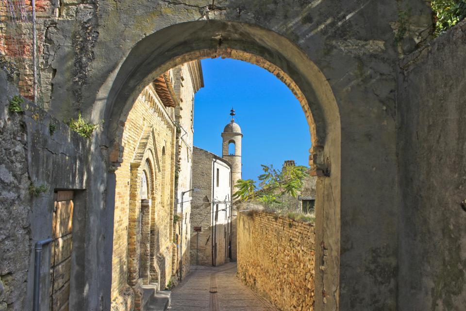 Narrow alley in old town, Cupra Marittima, Marche, Ascoli Piceno, Italy
