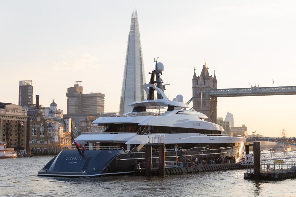 New Superyacht Elandess Visits London