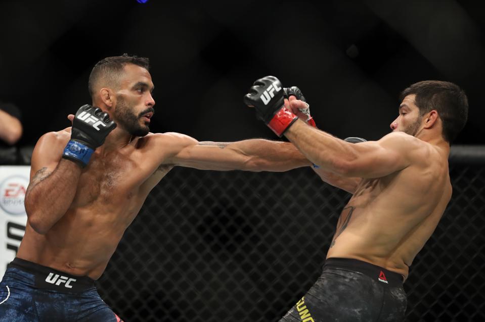 UFC 226: Assuncao v Font