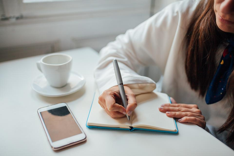 How To Put Together A Realistic To-Do List Every Day