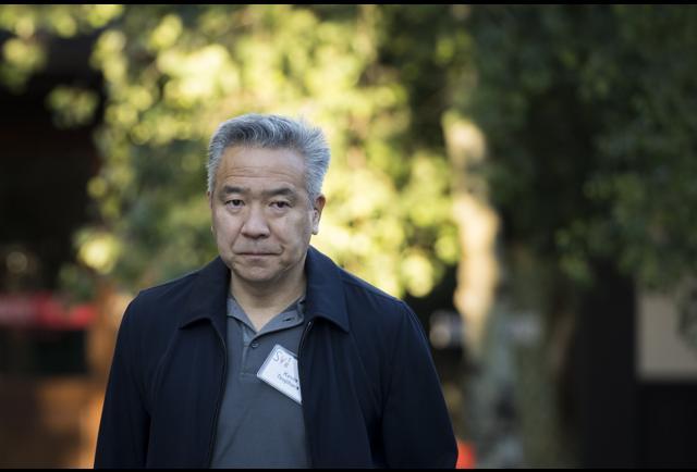 Warner Bros. Studio Chief Kevin Tsujihara Resigns Following Revelations Over Actress