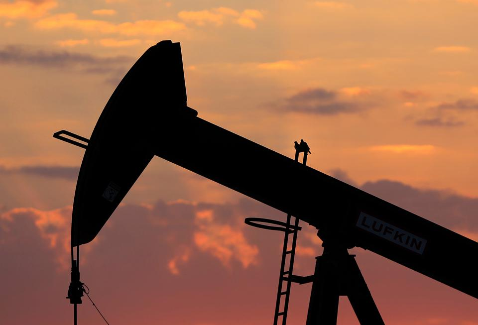 Oil Stocks the Most Gurus Are Buying
