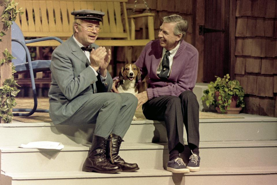 A Beautiful Day In The Neighborhood Gives Nod To Mister Rogers Pittsburgh