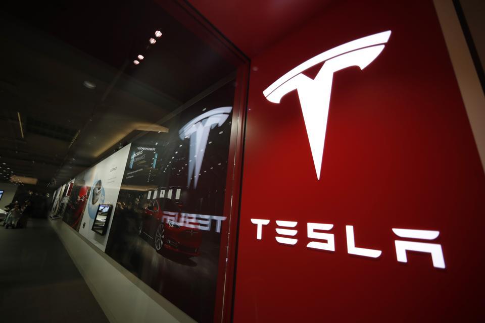 Tesla-Crash Cause