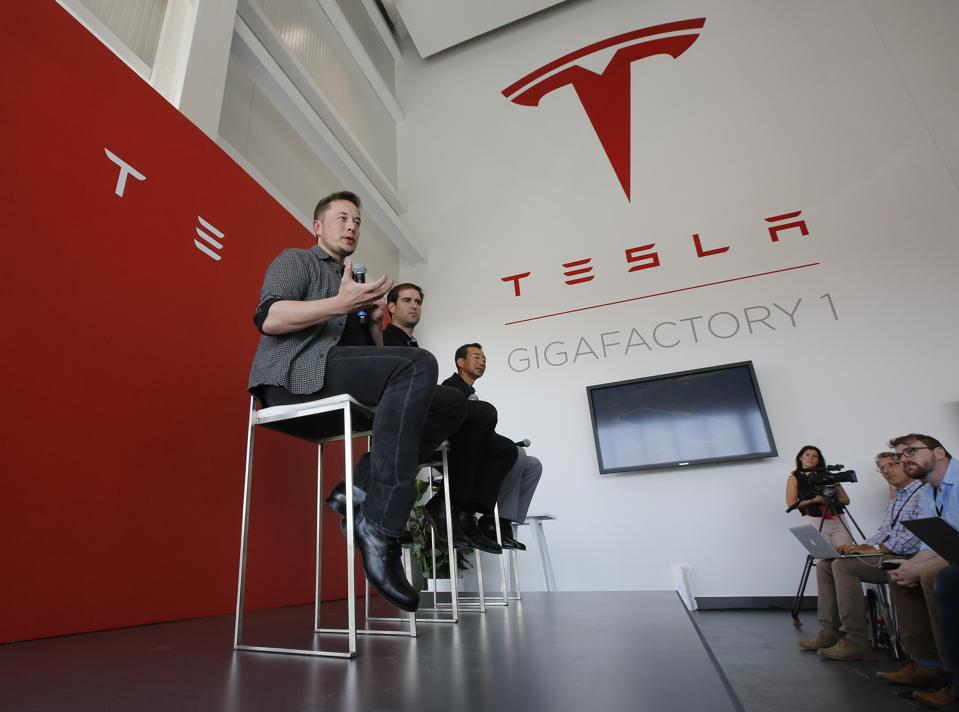 Tesla And AES Plug Batteries Into The Grid, But Energy Storage Remains Tangled In Bureaucracy