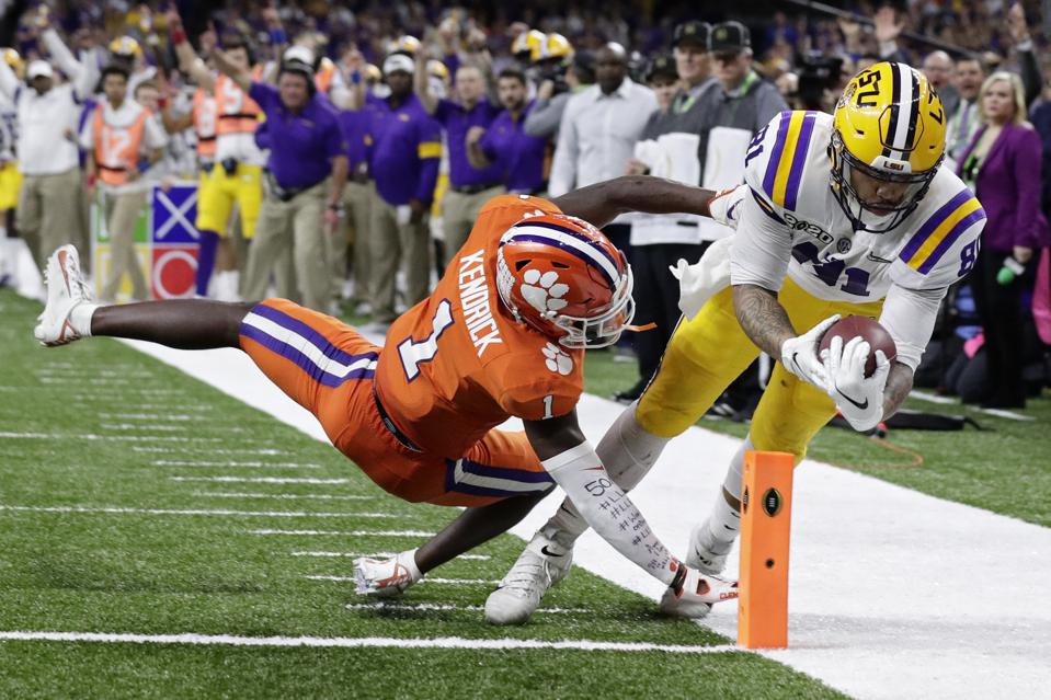 Thaddeus Moss Lsu >> Lsu Tight End Thaddeus Moss Son Of Randy Moss Shines In