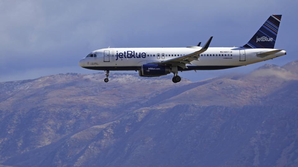 Earns JetBlue