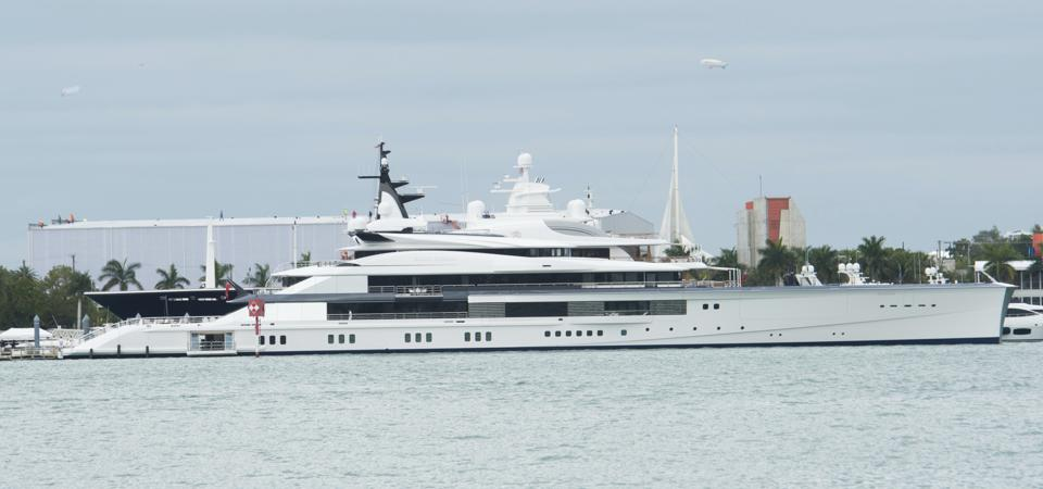 Yacht 'Bravo Eugenia' owned by Dallas Cowboy owner