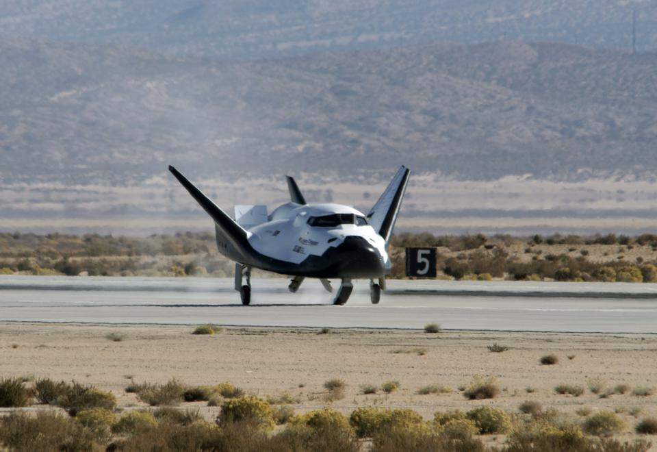 Dream Chaser spacecraft lands at Edwards Air Force Base after a test flight Nov. 11, 2017.