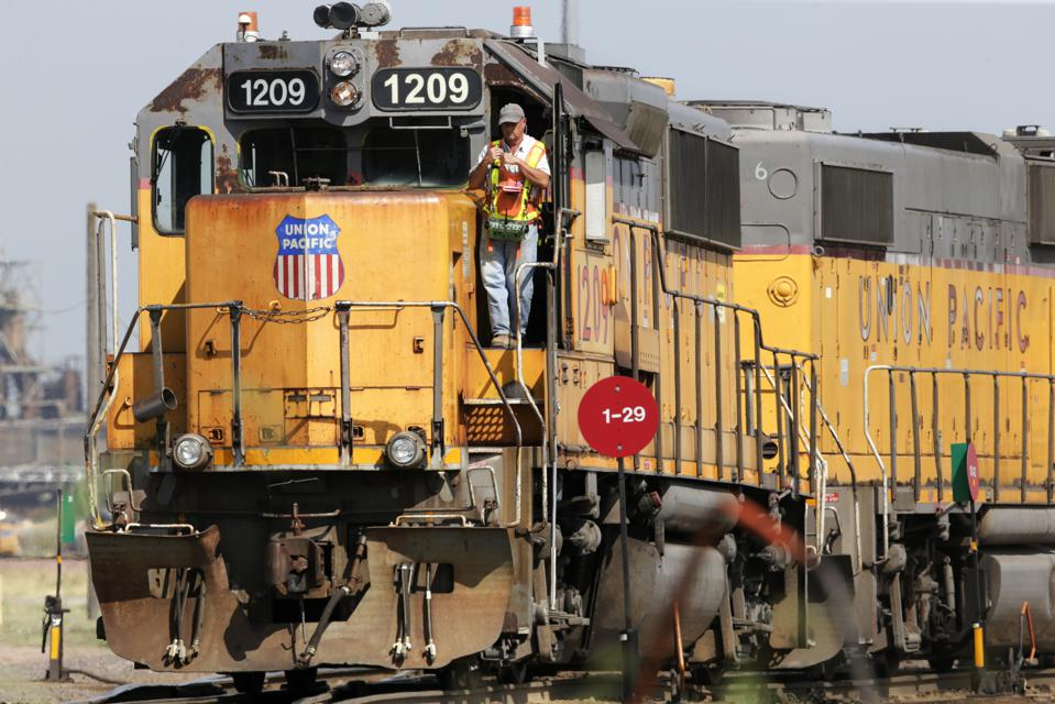 Earns Union Pacific
