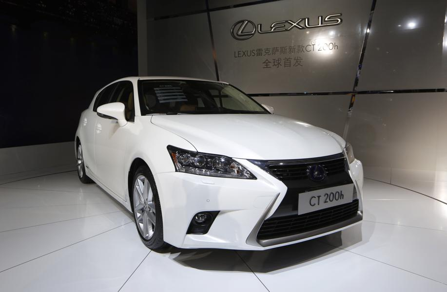 2016 lexus ct 200h in photos 15 hot luxury car lease deals under 400 month forbes. Black Bedroom Furniture Sets. Home Design Ideas