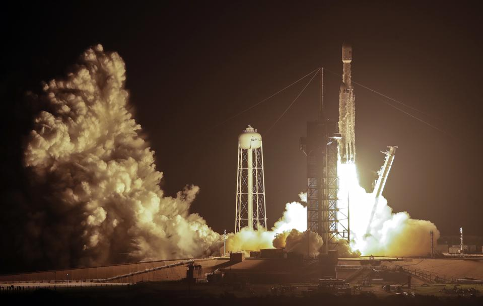 APTOPIX SpaceX Launch